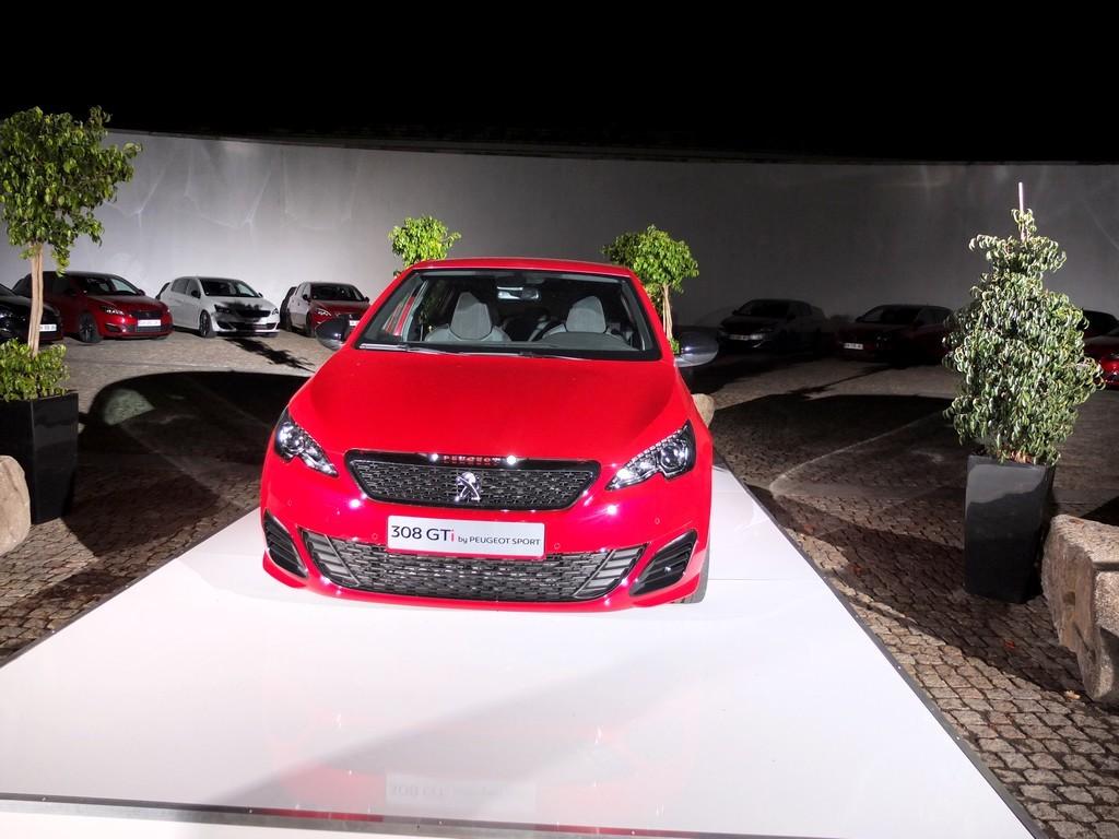 Merci à l'équipe Peugeot pour cette expérience intéressante ! automobilement et humainement parlant.