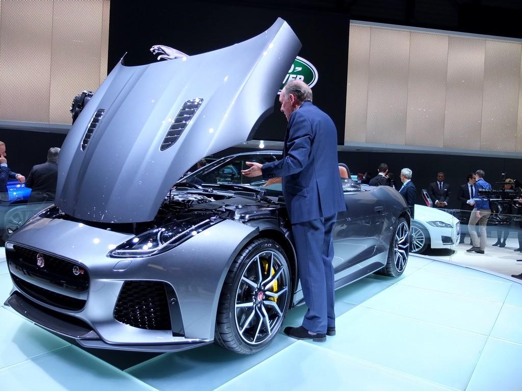jaguar_f-type-svr4