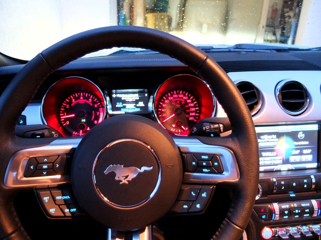 ford_mustang_interieur6