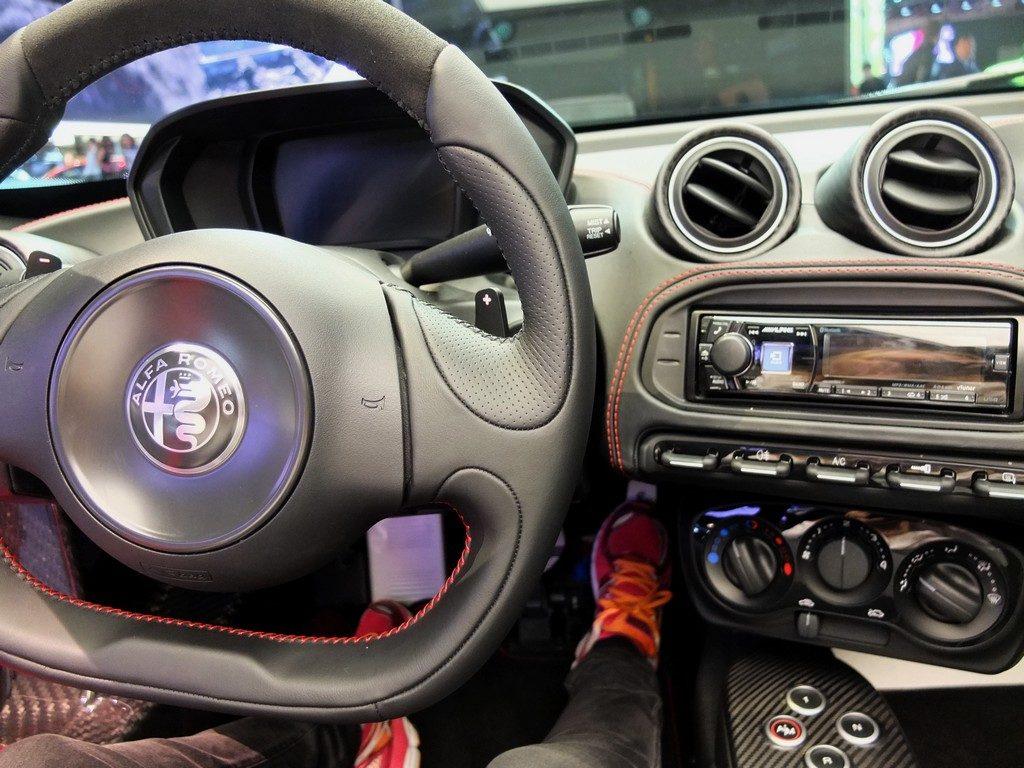 intérieur Alfa 4c