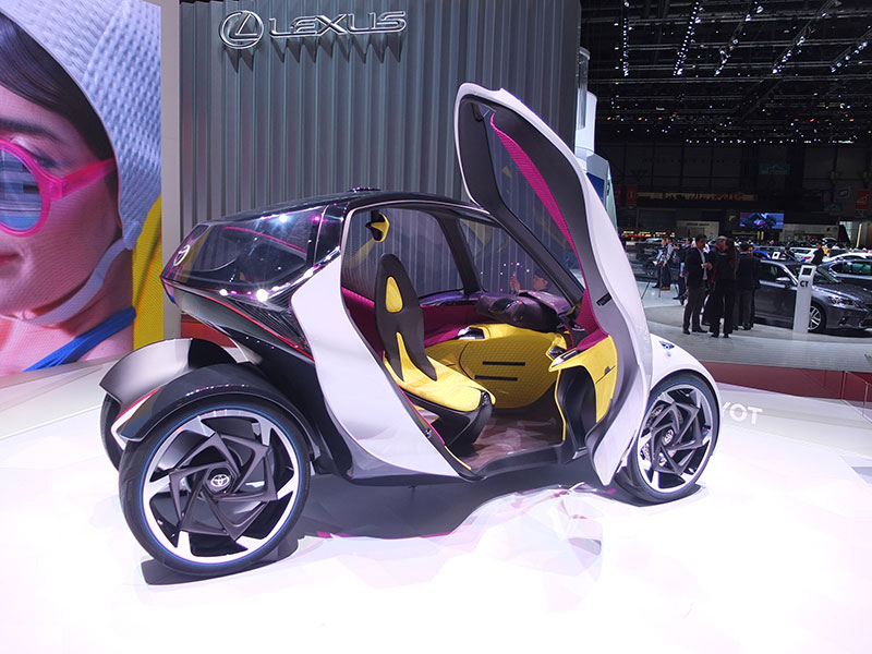 toyota i tril un futur twizy plus adapt la client le f minine miss 280ch. Black Bedroom Furniture Sets. Home Design Ideas