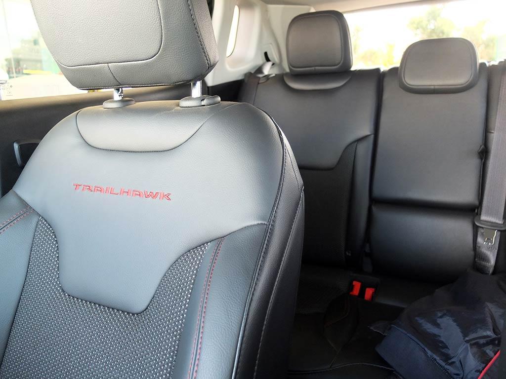 si on testait le nouveau jeep compass sur route et off road miss 280ch. Black Bedroom Furniture Sets. Home Design Ideas
