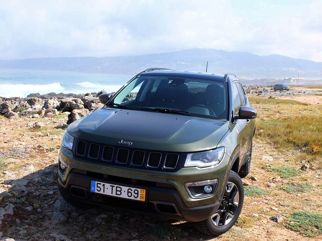 si on testait le nouveau jeep compass sur route et off road miss 280ch. Black Bedroom Furniture Sets. Home Design Ideas