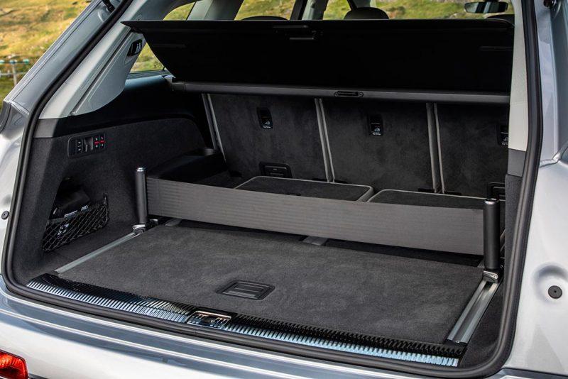 Audi SQ7 2020 - coffre