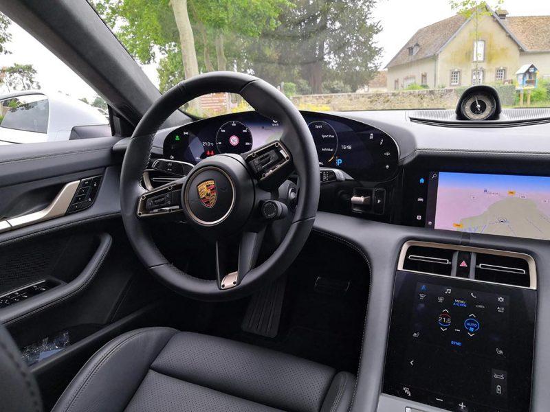 Porsche Taycan - intérieur
