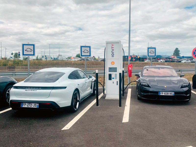 Porsche Taycan - recharge Ionity