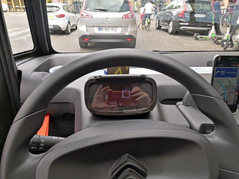 Essai Citroën AMI - compteur central