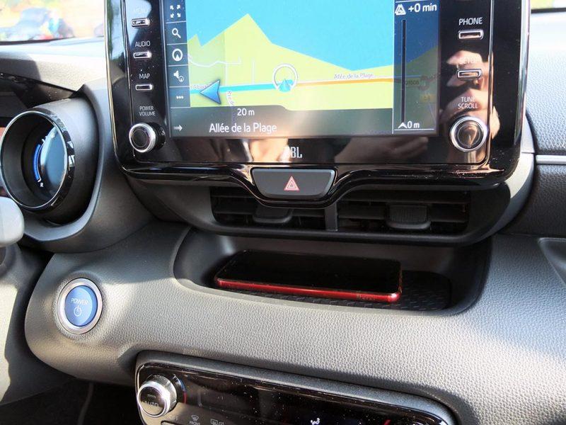 essai Toyota Yaris hybride 2020 - rangement portable