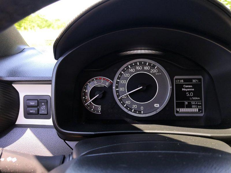 essai du Suzuki Ignis 2020 - tableau de bord